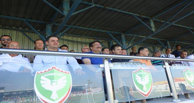 Başkanı Atilla Diyarbekirspor ile Gölcükspor maçını izledi