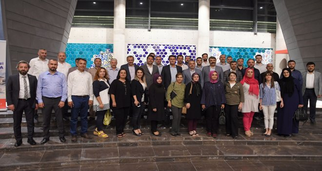 AK Parti Bursa İl Teşkilatı Fetih Müzesi'ni Gezdi