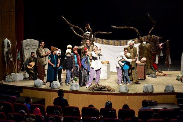 Çocuklar İçin Tiyatro Zamanı