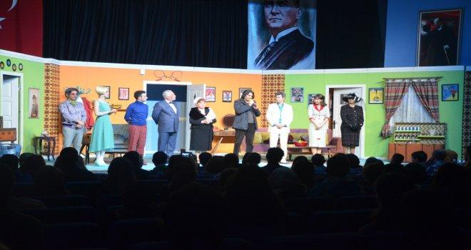 Balıkesir'da ''Çat Kapı'' oyununa  büyük ilgi