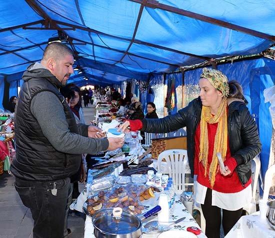 Antalya'da Üreten kadınlar 'Yeni Yıl Şenliği'nde buluştu