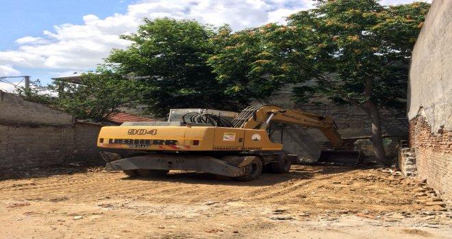 Osmangazide Metruk Binalar Yıkılıyor