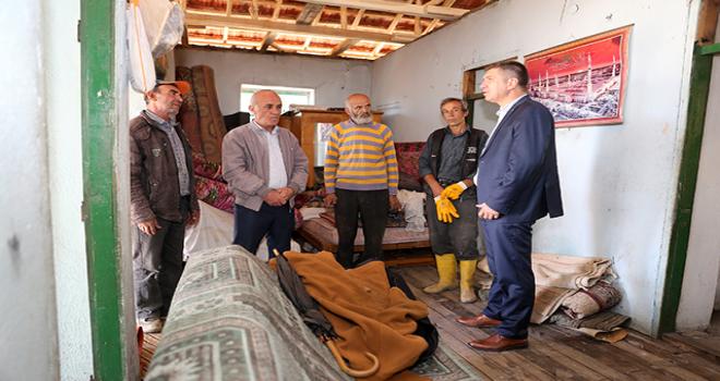 Başkan Ercengiz'den evi yanan aileyi yardım eli