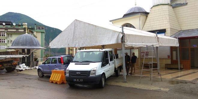 Artvin Belediyesi İftar Çadırlarını Kurdu