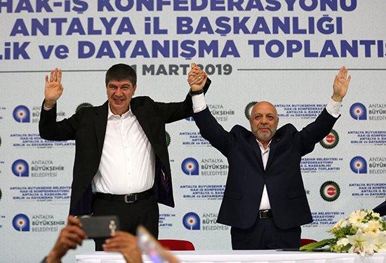 Başkan Türel işçileri sevindirdi