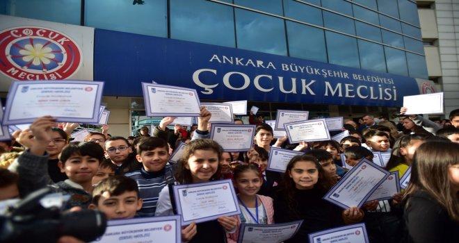 ANKARA'DA ÇOCUK MECLİSİ'NDE MAZBATA HEYECANI