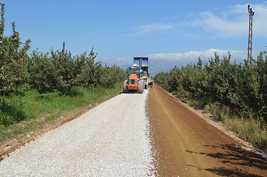 Korkuteli Ballık yolu asfaltla buluşuyor