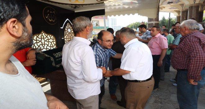 Başkan Hasan Can Ümraniye'nin Kanaat Önderlerinden Hüseyin Akbulut'un Cenazesine Katıldı