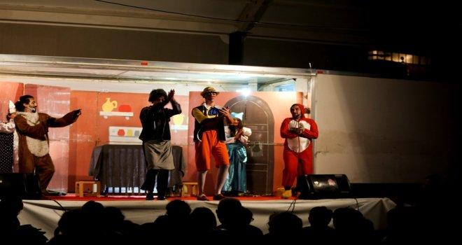 Maltepe'de tiyatro dolu günler devam ediyor