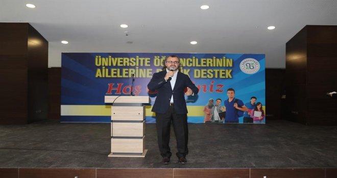 Arnavutköy'de Çocuk  Gelişiminde Ebeveynin Rolü Anlatıldı