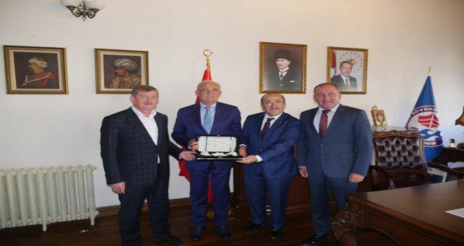 Başkan Gümrükçüoğlu, Bölge Koordinatörü Yılmaz'ı ağırladı