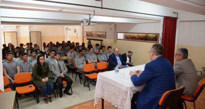 Ali Özkan'dan Öğrencilerle 'Kariyer Günleri Buluşması'