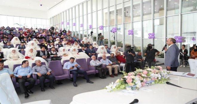 26 Çift Toplu Nikah Töreniyle Dünya Evine Girdi