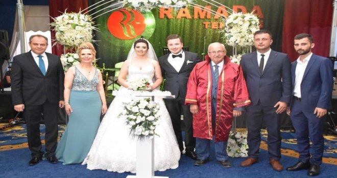 Başkan Albayrak Nihan ve Osman Çiftinin Nikah Törenine Katıldı