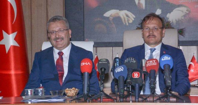 Çavuşoğlu: 'Karacabey büyük ölçekli yatırımlara kavuştu'