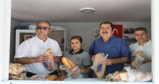 Büyükşehir'in 'Askıda Ekmek' Uygulaması Başladı