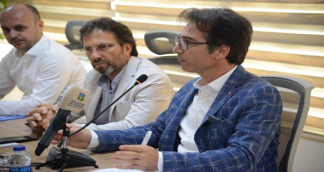 Balıkesir Büyükşehir Belediyesi Çevre Koruma ve Kontrol Daire Başkanlığı tarafından önceki gün düzenlenen toplantıyla Balıkesir'in 20 ilçesindeki Belediye Temizlik İşleri Müdürleri bir araya gelerek y