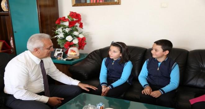 Başkan Başsoy'un küçük konukları.