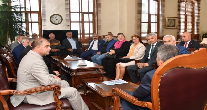 Muhtarlar Büyükşehir Belediyesini Ziyaret Etti