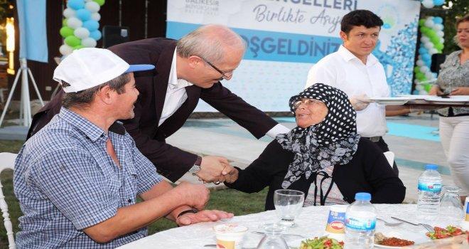 Balıkesir Büyükşehir Belediyesi 61 engelliye akülü tekerlekli sandalye dağıttı. Başkan Zekai Kafaoğlu 'Bugün sağlamsak yarın engelli olamayacağımızın garantisi yok' dedi.