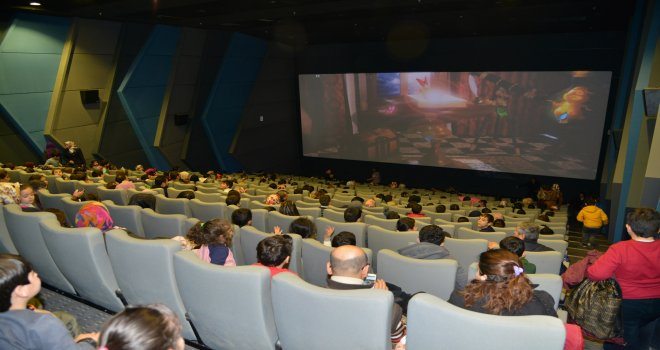 Ücretsiz sinema gösterimleri devam ediyor