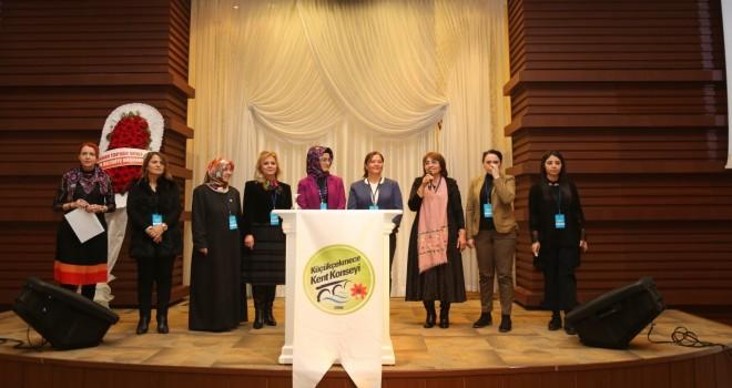 Kadın Meclisleri zirvesinin ilki ,Küçükçekmece Belediyesi Nikah Sarayında yapıldı.