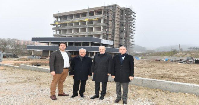 Başkan Kafaoğlu  , Teknokent binasının inşaatında incelemelerde bulundu