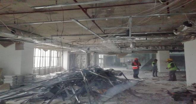 Tower Plaza'da yıkım süreci başladı