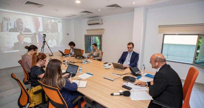 Başkan Soyer Rus kanalı IZ.RU TV'ye konuştu