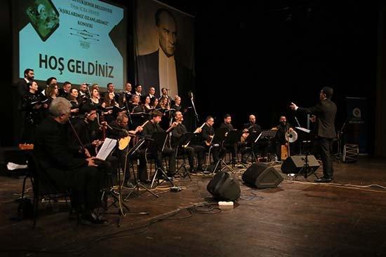 Antalya'da 'Aşıklarımız Ozanlarımız' konserle anıldı