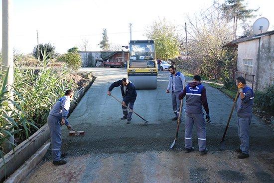 Büyükşehir ilk kez beton asfalt  uygulaması  yaptı.