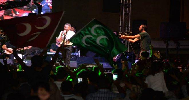 Mustafa Yıldızdoğan Ve Songül Karlı Tarsus'u Salladı