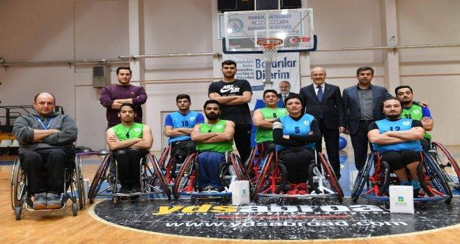 BaşkanıKafaoğlu Engelli Basketbol Takımını ziyaret etti.