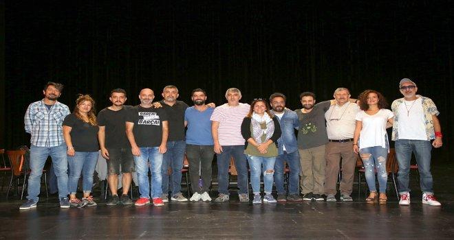 'SCAPİN'İN DOLAPLARI' PROVALARINA BAŞLADI