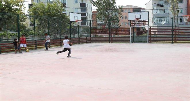 Arnavutköy Belediyesi'nden Çocuklara İki Yeni Park