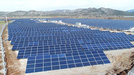 Büyükşehir güneş tarlaları kurmaya devam ediyor