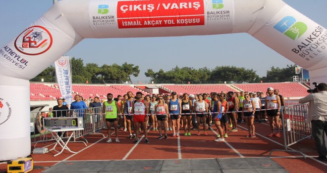 Balıkesir Büyükşehir Belediyesi ve Altıeylül Belediyesinin ev sahipliğinde Uluslararası İsmail Akçay yol koşusunun 10.'su gerçekleştirildi.