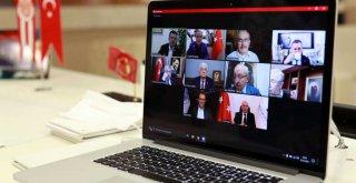 Başkan Böcek CHP'li Büyükşehir Belediye Başkanlarıyla çevrim içi toplantıya katıldı