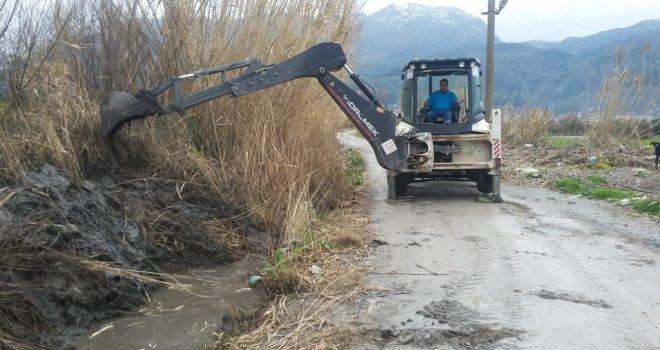 Barbaros Mahallesi'nde Dere Temizlik Çalışması Tamamlandı