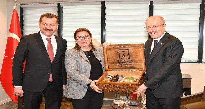 Ticaret Bakanı Ruhsar Pekcan, Kafaoğlu'nu ziyaret etti.