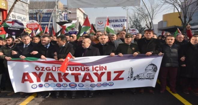 Başkan Ay,Kudüs'e destek amacıyla düzenlenen yürüyüşe katıldı.